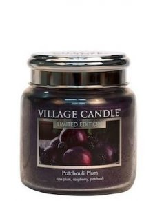 Patchouli Plum Medium Village Candle, geur van donker fruit en houtachtige tonen verassend fris door de patchouli